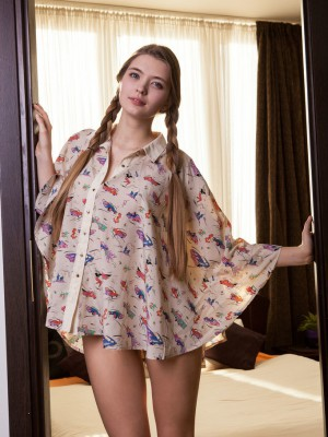"""""""Sigrid is a a real sweetheart that radiates cheerful and youthful energy, with her delightful on-cam personality coupled with a fresh and smooth"""